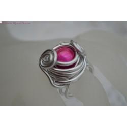 Bague en fil alu perle magique rose fushia