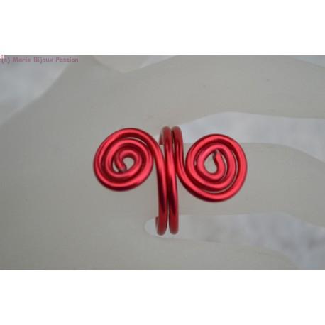 Bague en fil alu couleur rouge