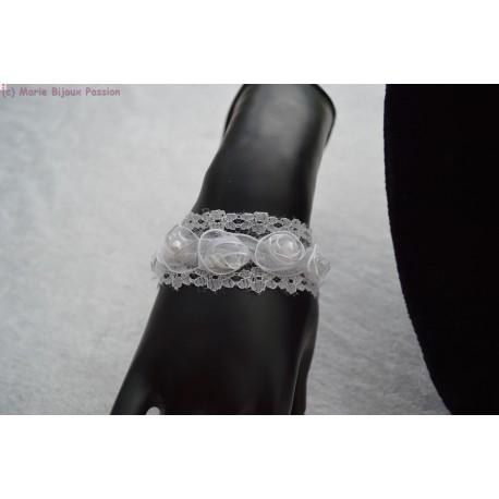 Bracelet de mariée dentelle fleurie