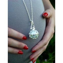 Collier femme enceinte