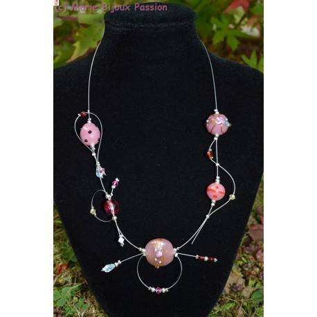 Collier chic perles en verre rose
