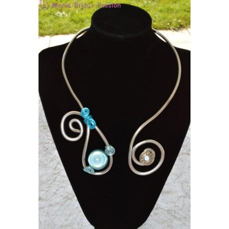 Collier fil alu perle magique turquoise