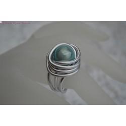 Bague en fil alu perle magique turquoise