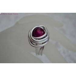 Bague en fil alu perle magique violette