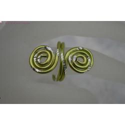 Bague en fil alu vert