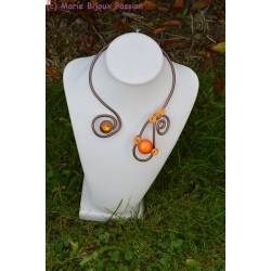 Collier fil alu perle magique orange